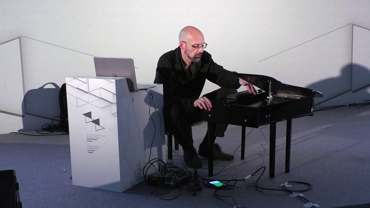 Toy piano & live electronics